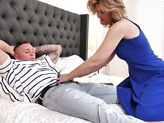 Always sex-starved stepmom Alby Daor is cheating overhead her tighten one's belt with her stepson
