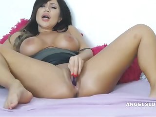 Spreading Porn Vid Of Oversexed Brunette