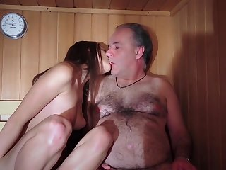 Dad Fucked Beautiful Brand-new Young Pussy Gives Blowjob Gaggin