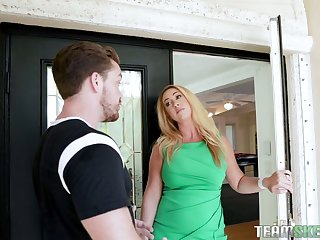 Hot-mad bootyful blonde MILF Keilani Kita wanna be modified with cunnilingus