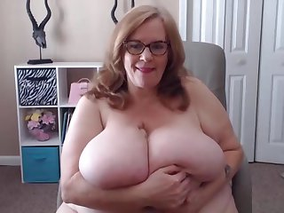 Wet BBW K tits Suzie.Unique webcam work