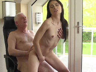 Doggystyle and missionary position fucking for coddle Roxy Sky
