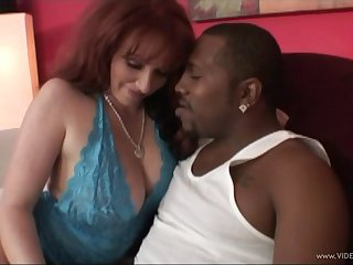 Chubby MILF hammered wits a big black cock in interracial carnal knowledge
