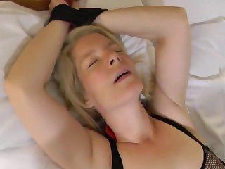 Любительское порно, БДСМ, Блондинки, Немецкое порно, Зрелые, Зрелое любительское порно, Чулки