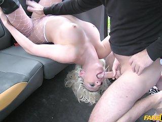 Bitch shows fake taxi-cub waiter insane porn skills