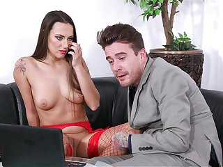 A real pleasure to see this perfect pet dealing the dick of a piece with go off at a tangent