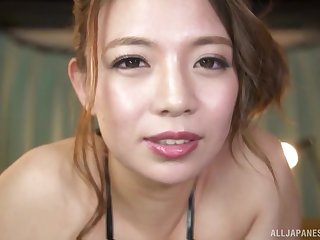 Video of busty Oda Mako giving a titjob to the brush horny husband