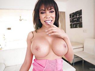 Hot Latina MILF is keen to devour this big gumshoe
