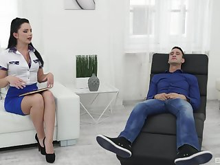 Brunette handles man's huge dong in stupefying modes